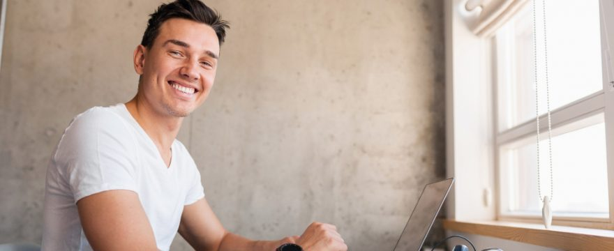 Descubre cómo cambiar de profesión gracias a los cursos de marketing digital online en español